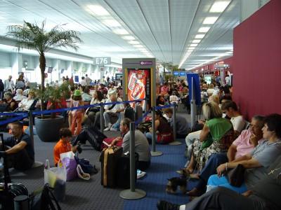 4 hod na přížském letišti